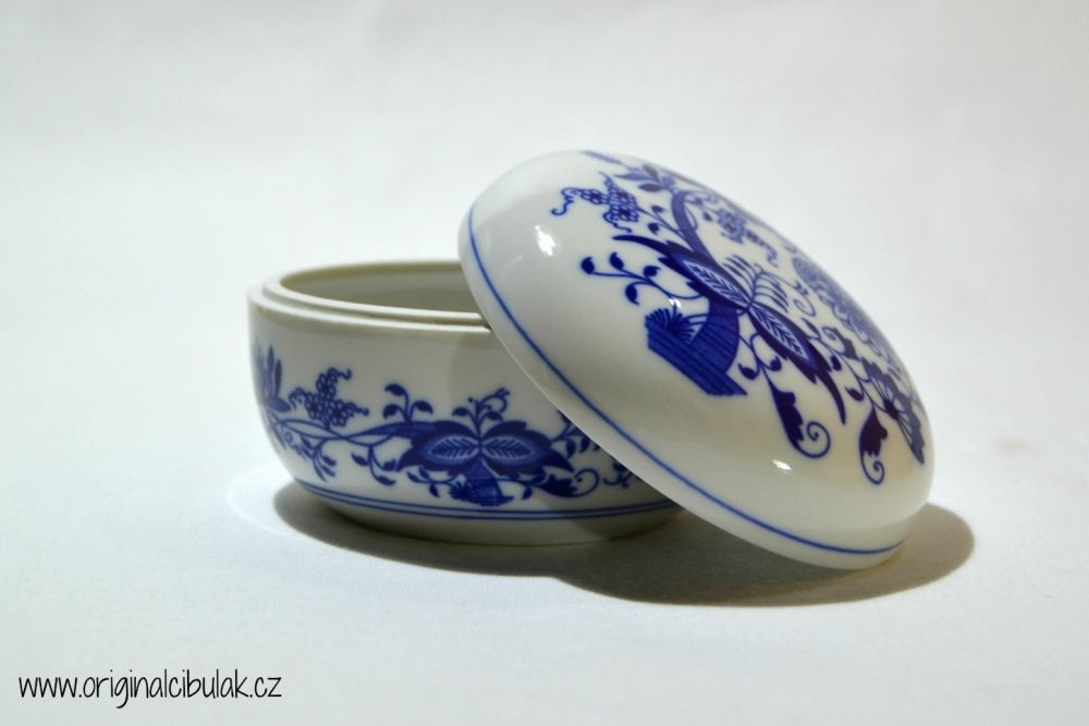 Zwiebelmuster Round Box, Original Bohemia Porcelain from Dubi