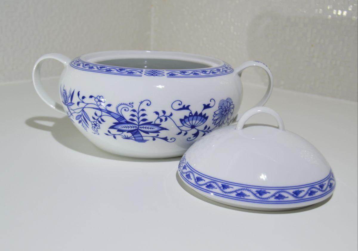 Zwiebelmuster Mocca Set, Original Bohemia Porcelain from Dubi