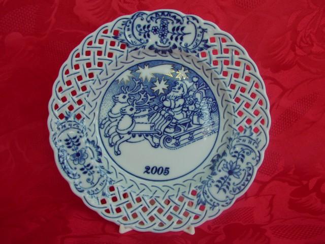 Zwiebelmuster Jahrestagteller durchbrochen 2005 Original Bohemia Porzellan aus Dubi