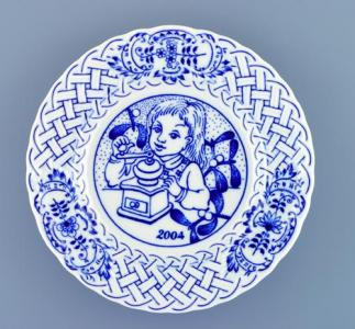 Zwiebelmuster Wall Plate Embossed 2004 18cm, Original Bohemia Porcelain from Dubi