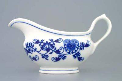 Zwiebelmuster Oval Sauceboat 0.30L, Original Bohemia Porcelain from Dubi