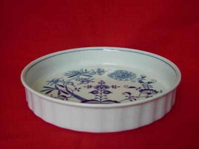 Zwiebelmuster Round Large Baking Dish 26cm , Original Bohemia Porcelain from Dubi