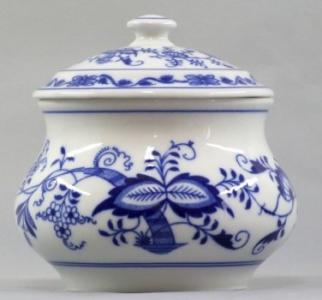 Zwiebelmuster Vegetable Box, Original Bohemia Porcelain from Dubi