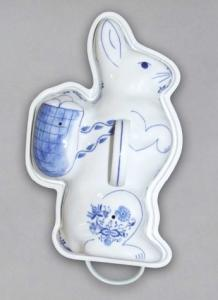 Zwiebelmuster Backing Dish Easter Bunny,Original Bohemia Porcelain from Dubi