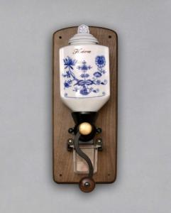 Zwiebelmuster Wall Coffee Mill 35cm, Original Bohemia Porcelain from Dubi