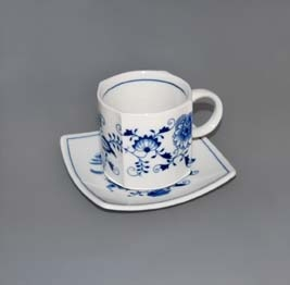 Zwiebelmuster Cup Vito with Saucer Vito 0.21L + 13cm, Original Bohemia Porcelain from Dubi