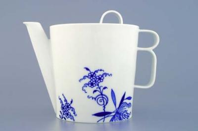 Zwiebelmuster Tea Pot with Cover, Bohemia Porcelain from Dubi