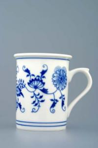 Zwiebelmuster Tumbler with Handle 0.25L, Original Bohemia Porcelain from Dubi