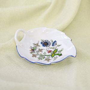 Zwiebelmuster Leaf Dish 15cm, NATURE Original Bohemia Porcelain from Dubi