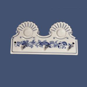 Zwiebelmuster Kitchen hanger with holes 18cm, Original Bohemia Porcelain from Dubi