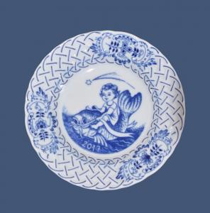 Zwiebelmuster Wall Plate Embossed 2011 18cm, Original Bohemia Porcelain from Dubi