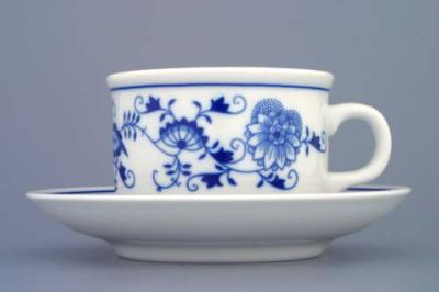 Zwiebelmuster Cup Ben M with Saucer Ben M 0.23L + 15.3cm, Original Bohemia Porcelain from Dubi