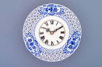 Zwiebelmuster Clock Perforated 18cm, Original Bohemia Porcelain from Dubi